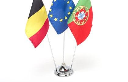 base para tres banderas